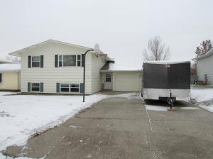Property for sale at 207 10th St NE, Beulah,  ND 58523
