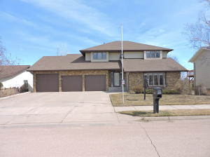 Property for sale at 714 8th Avenue NE, Mandan,  North Dakota 58554