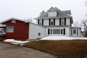 Property for sale at 740 4th Street S, Carrington,  North Dakota 58421