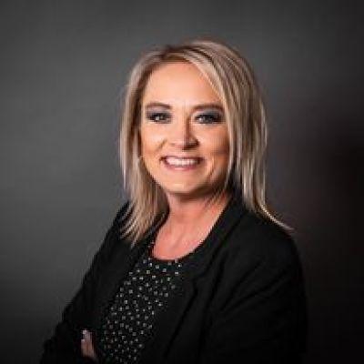 Jennifer Saari agent image