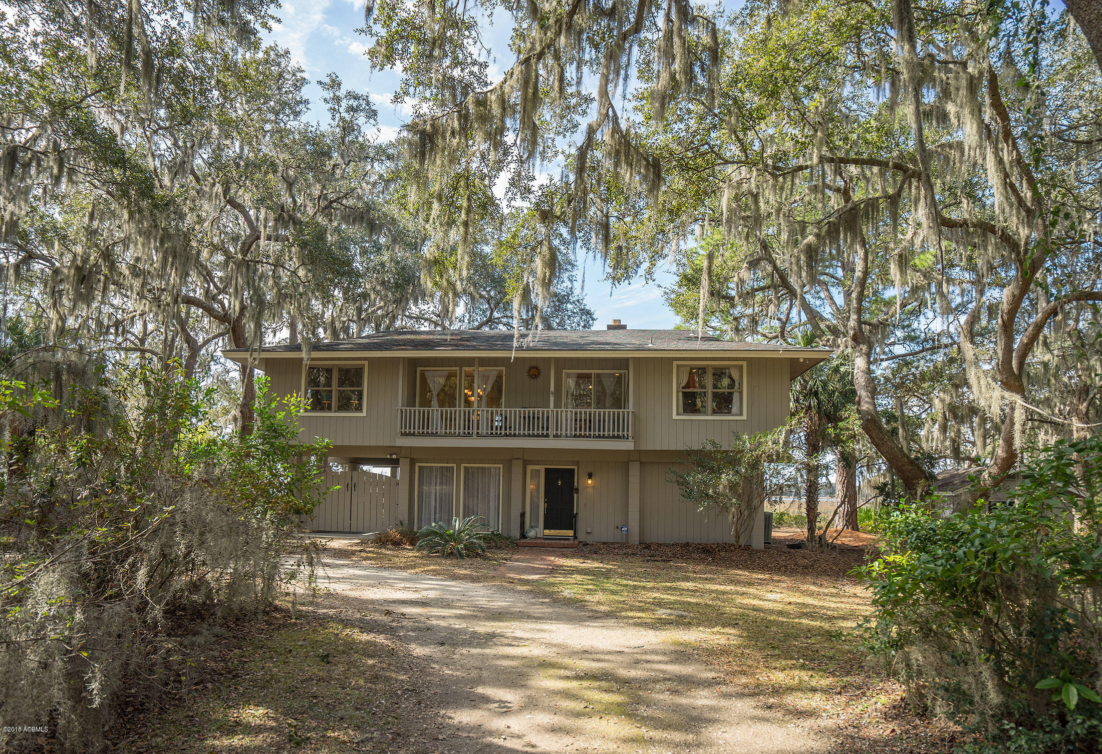 Photo of 10 Oyster Catcher Road, Beaufort, SC 29907