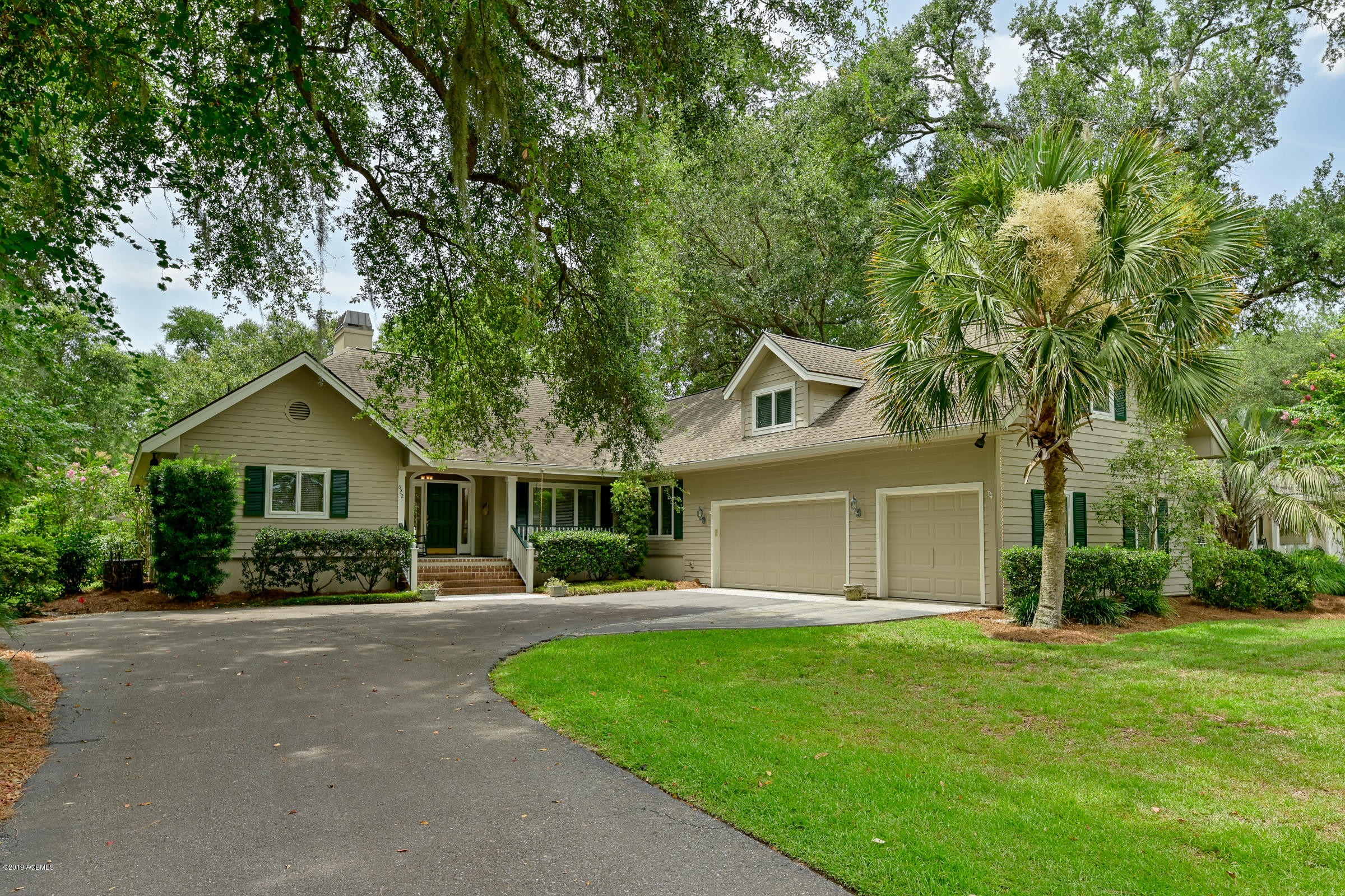 Photo of 622 Island Circle, Dataw Island, SC 29920