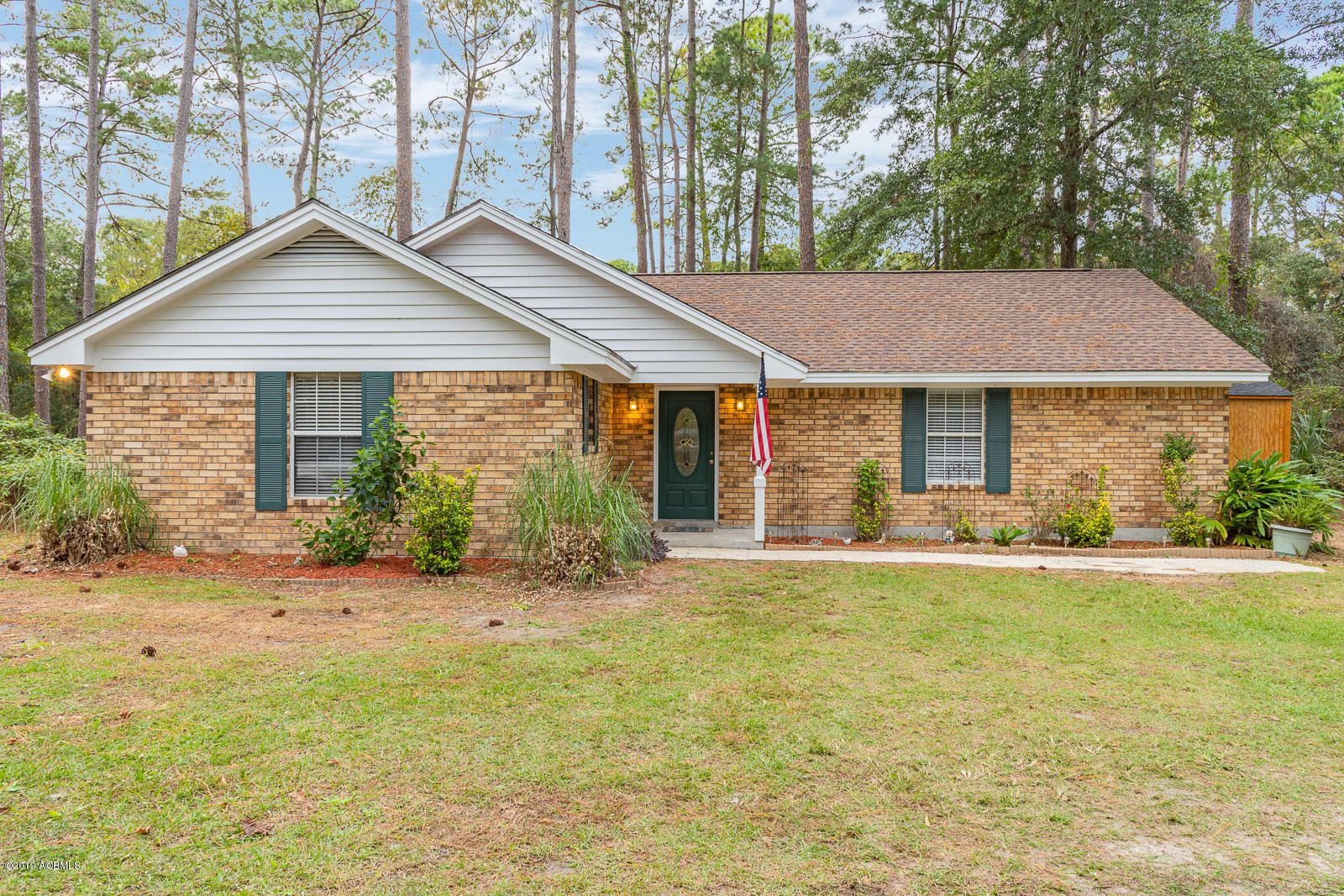 Photo of 481 Sams Point Road, Lady's Island, SC 29907