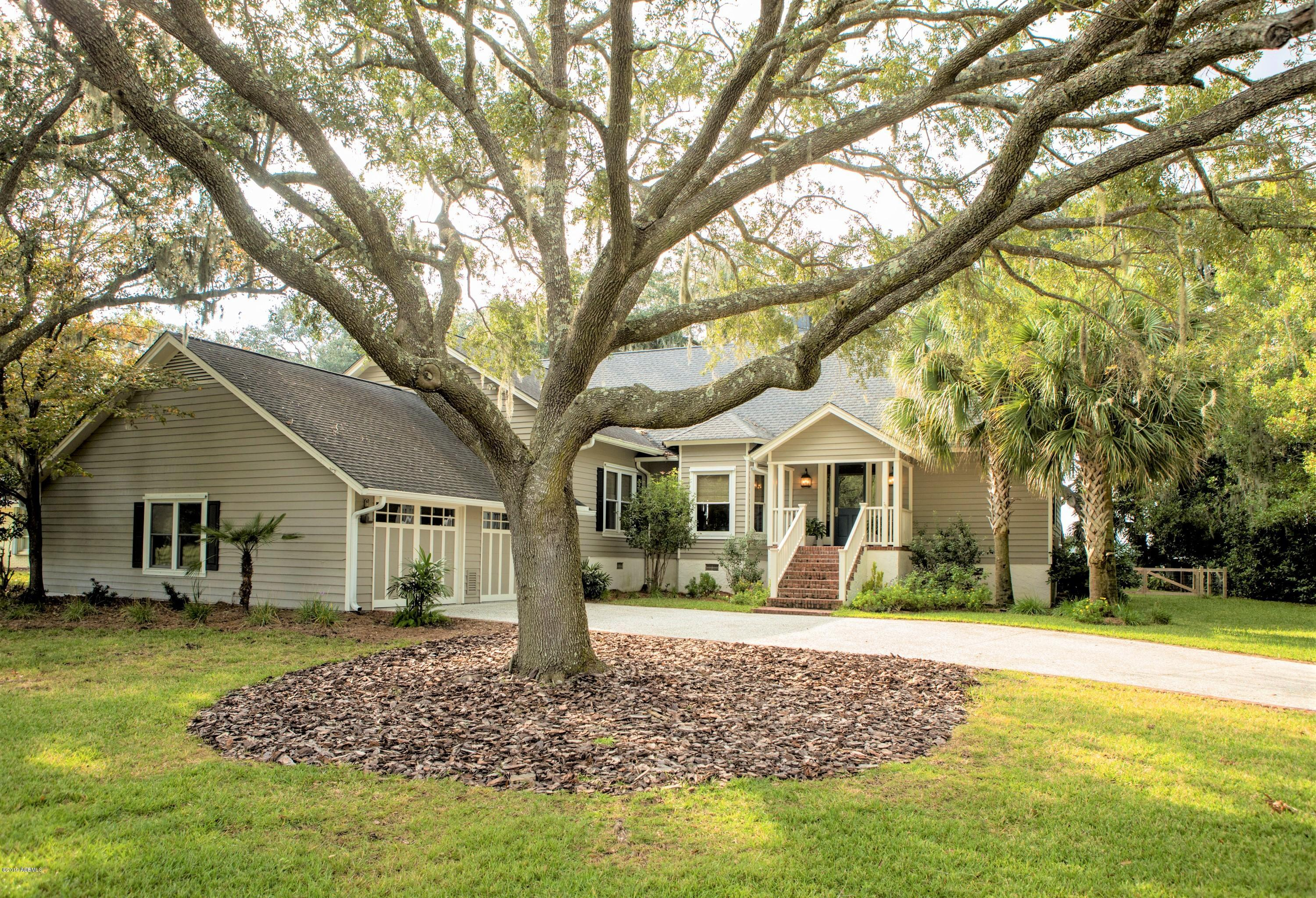 Photo of 4 Country Club Drive, Beaufort, SC 29907