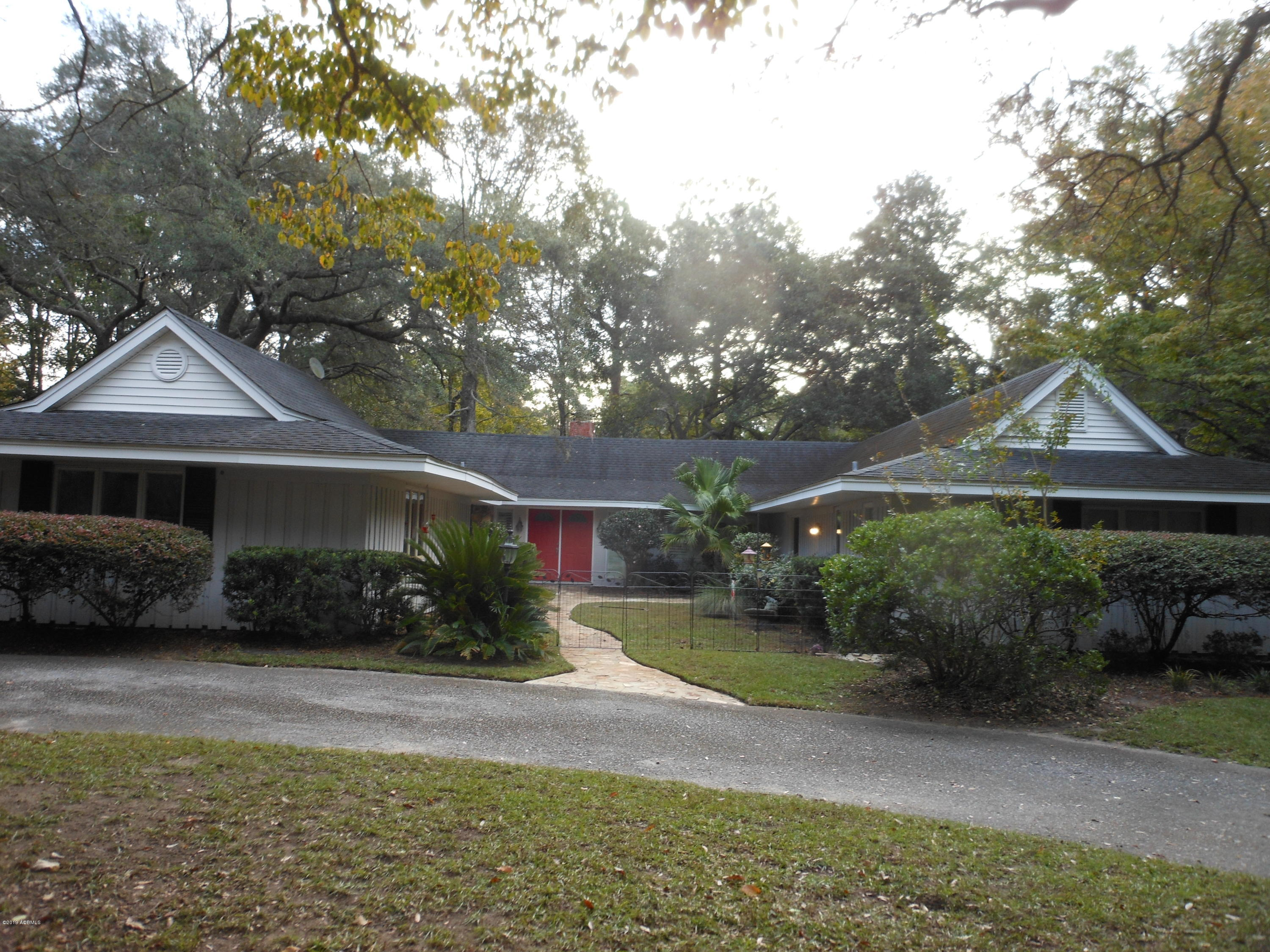 Photo of 96 Wade Hampton Drive, Beaufort, SC 29907