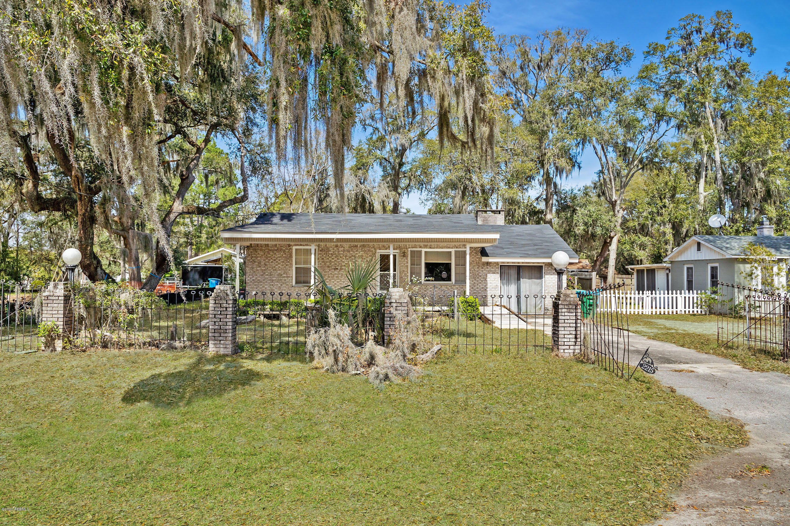 Photo of 2215 National Street, Beaufort, SC 29902