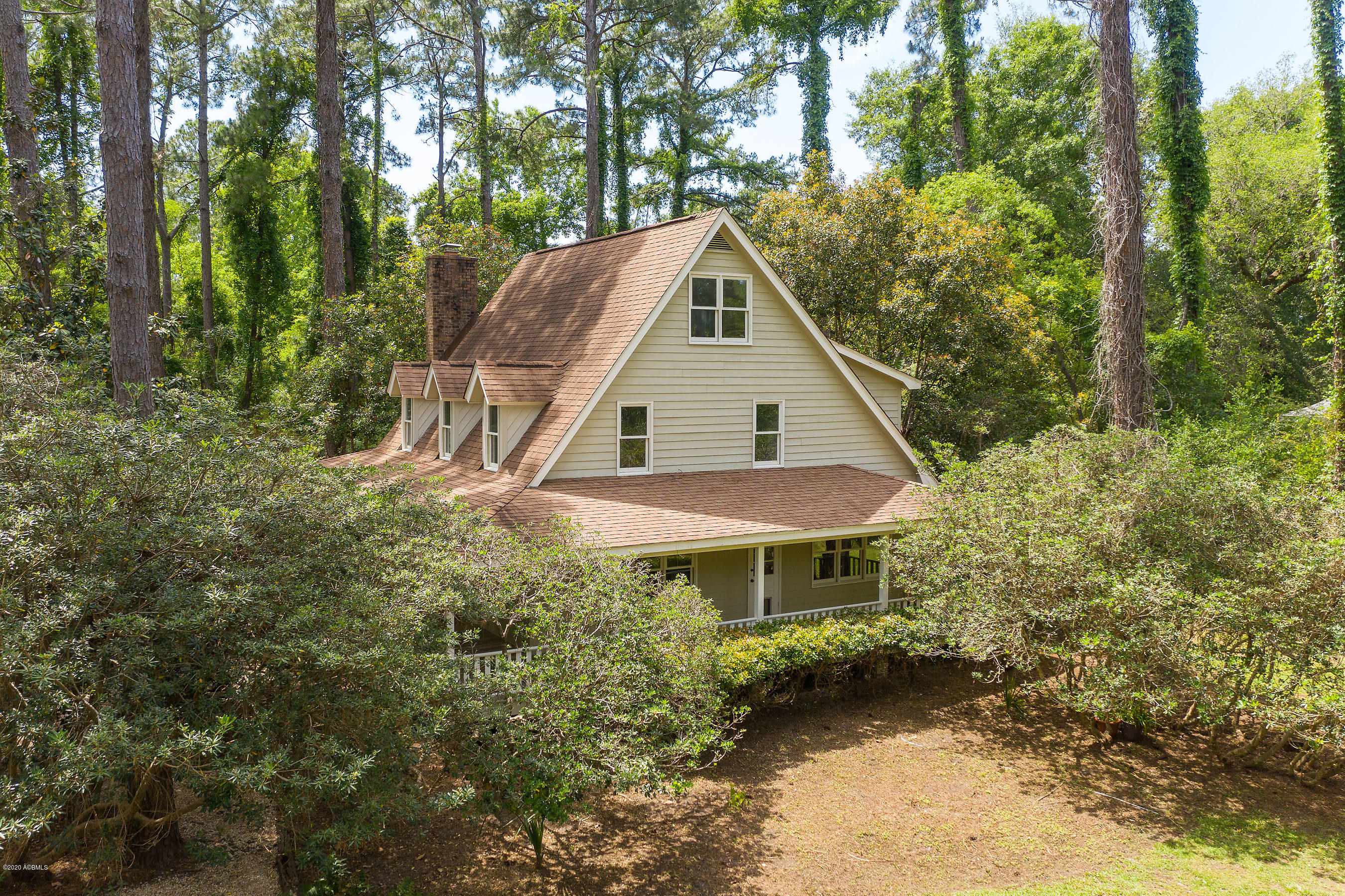 Photo of 161 Distant Island Drive, Beaufort, SC 29907