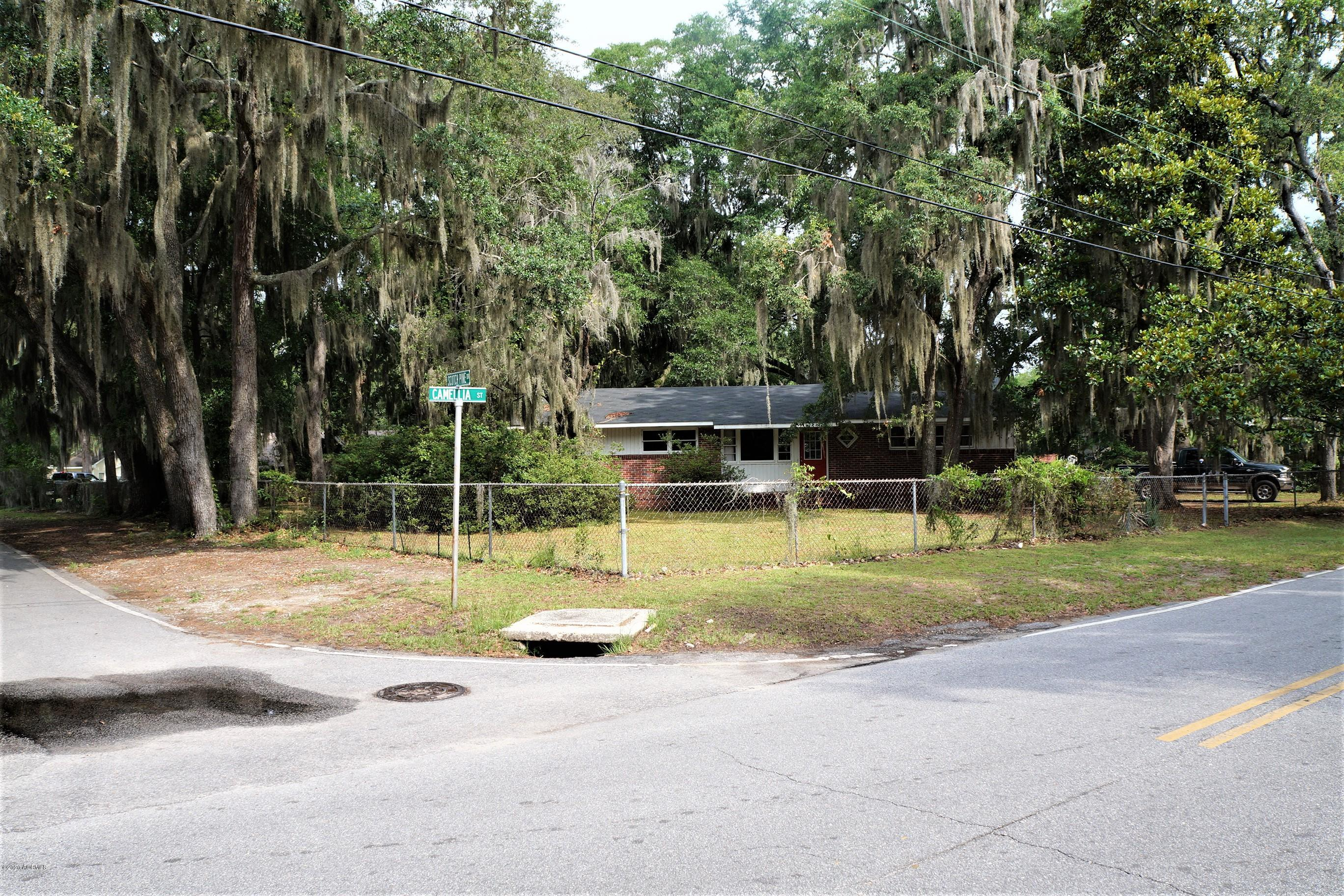 Photo of 1704 Camellia Road, Beaufort, SC 29902