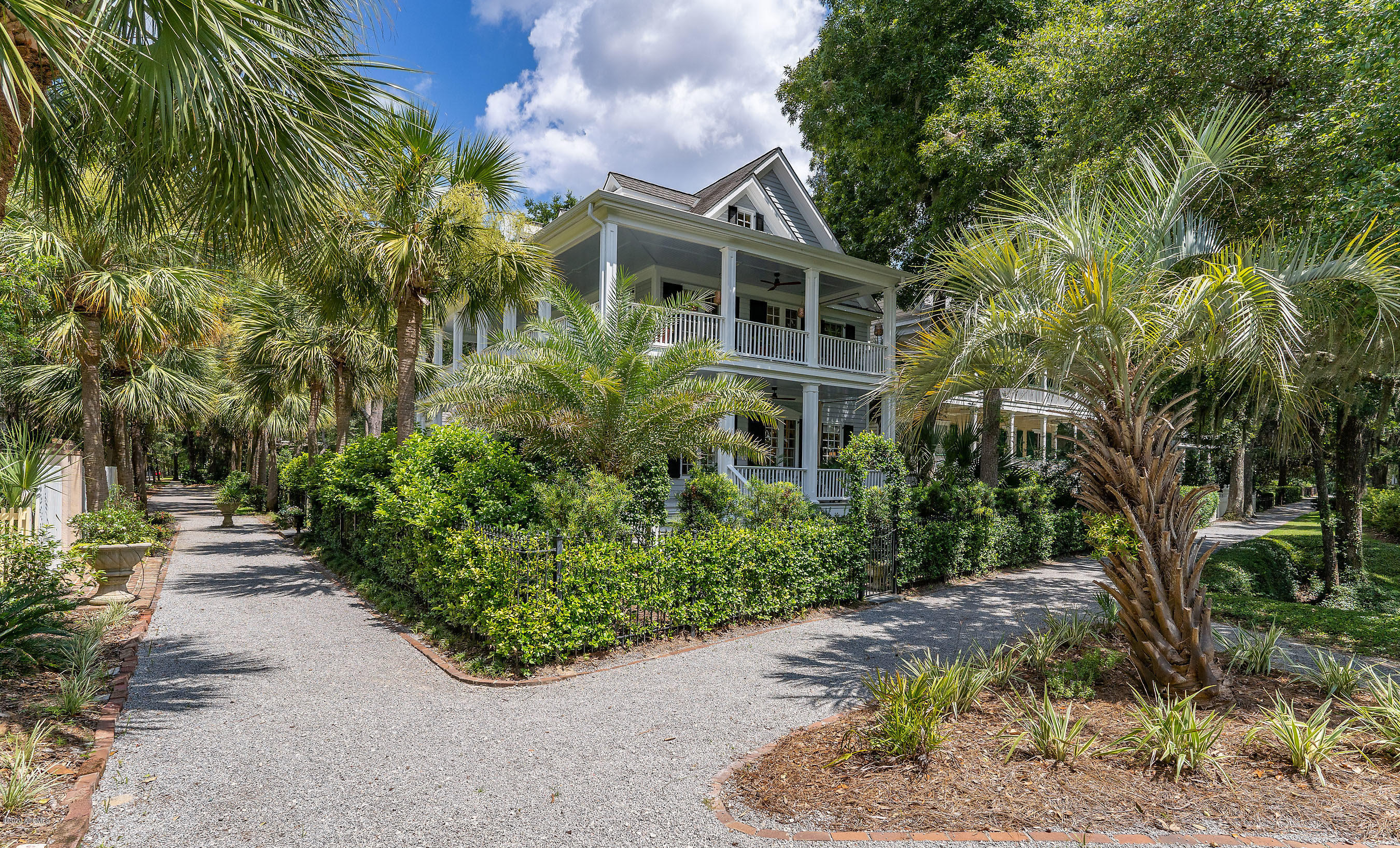 Photo of 15 Waterside Drive, Beaufort, SC 29907