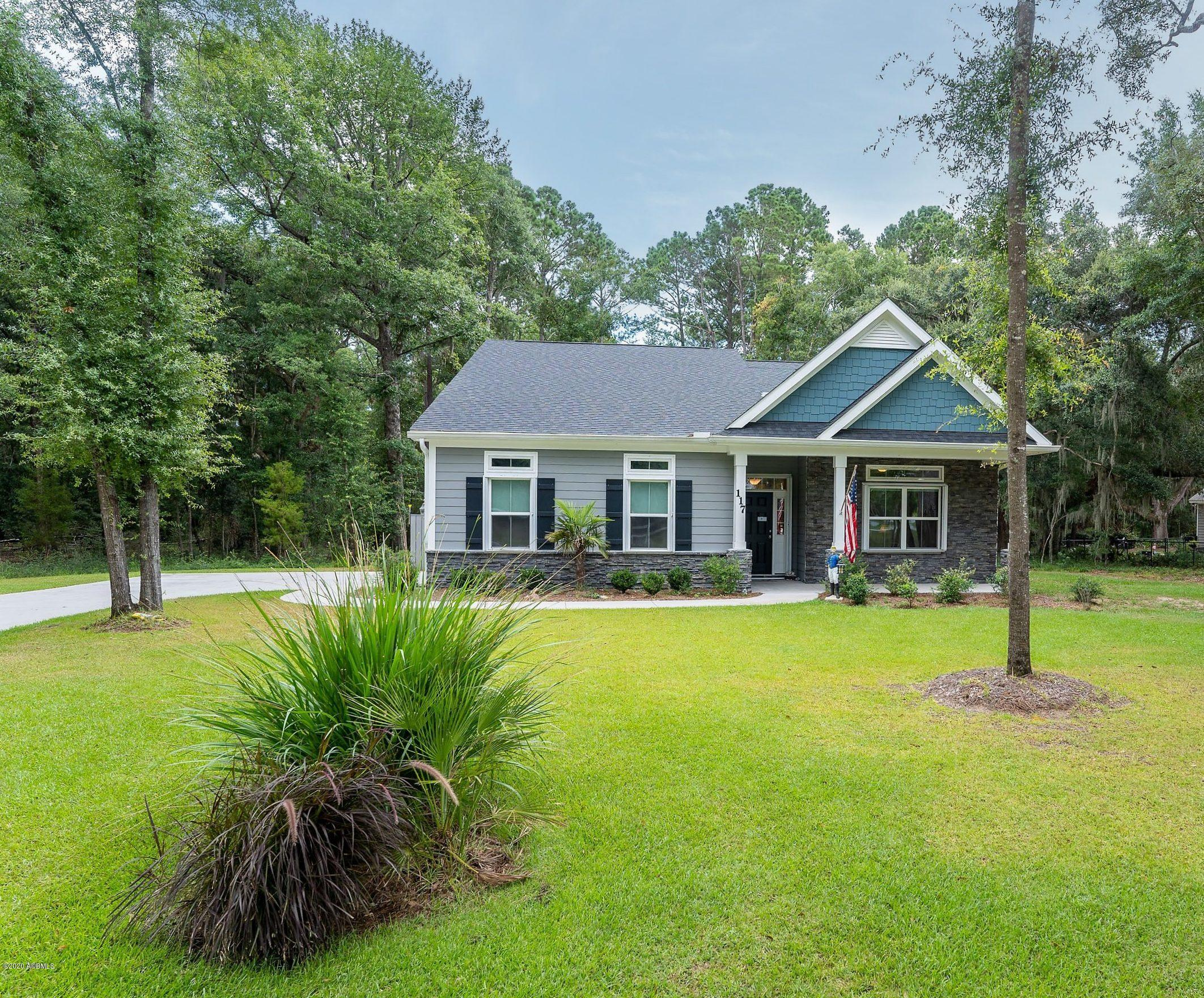 Photo of 117 Pleasant Point Drive, Beaufort, SC 29907