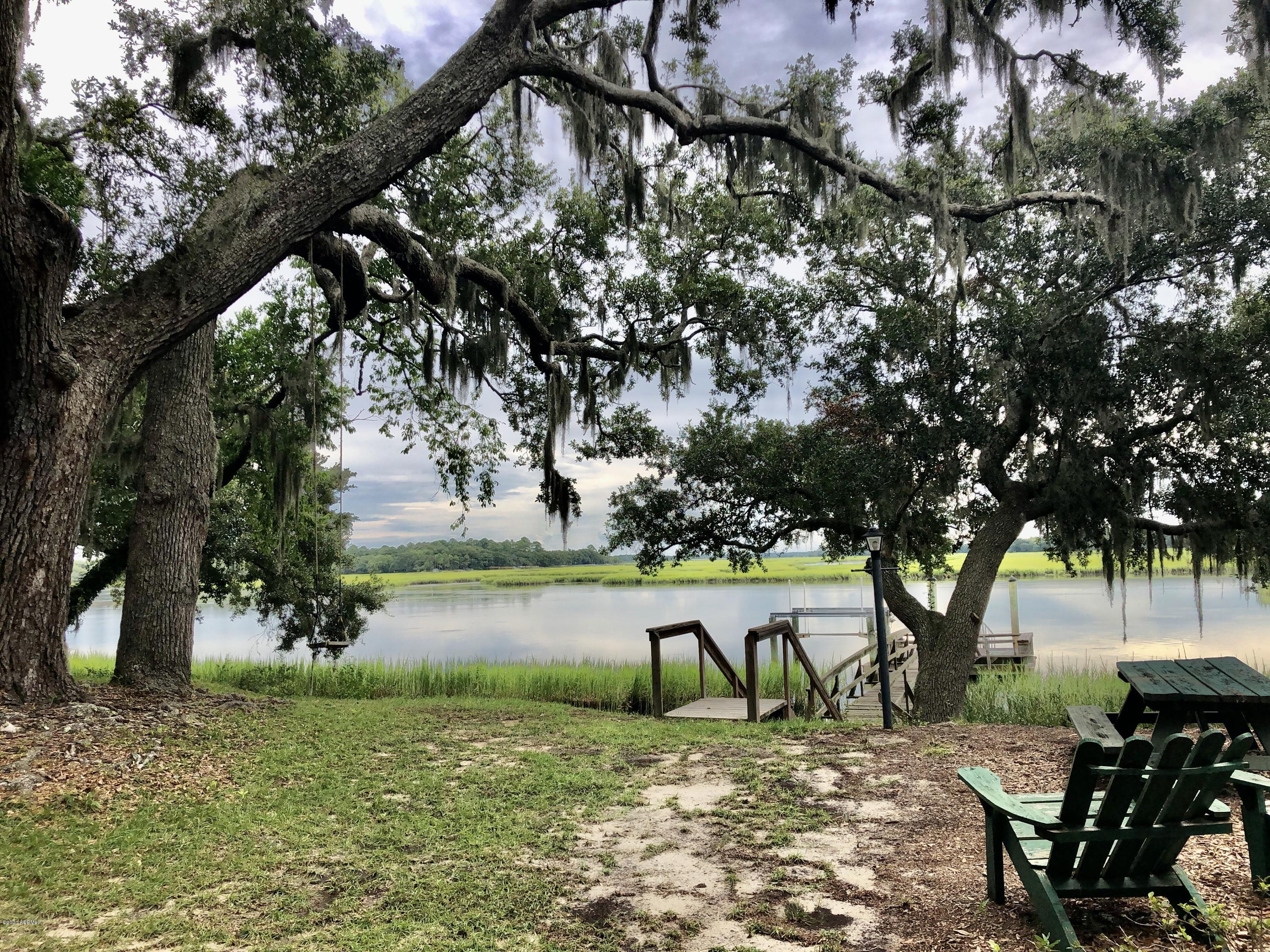 Photo of 190 Distant Island Drive, Beaufort, SC 29907