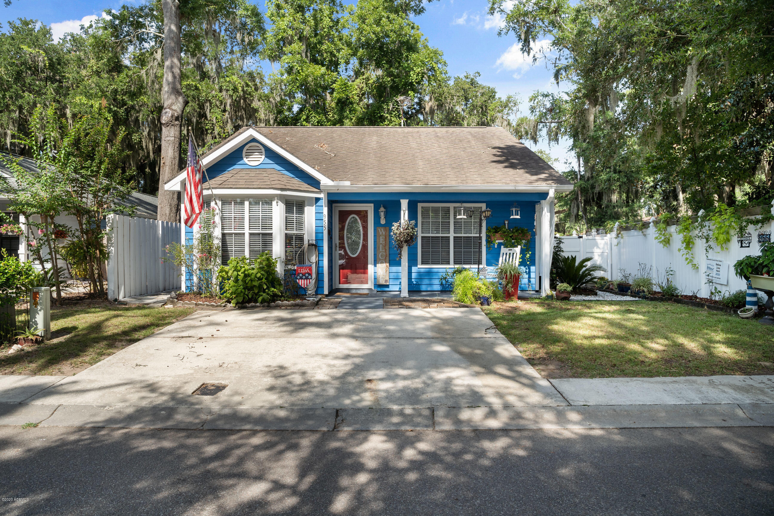 Photo of 955 Oyster Cove Road, Beaufort, SC 29902