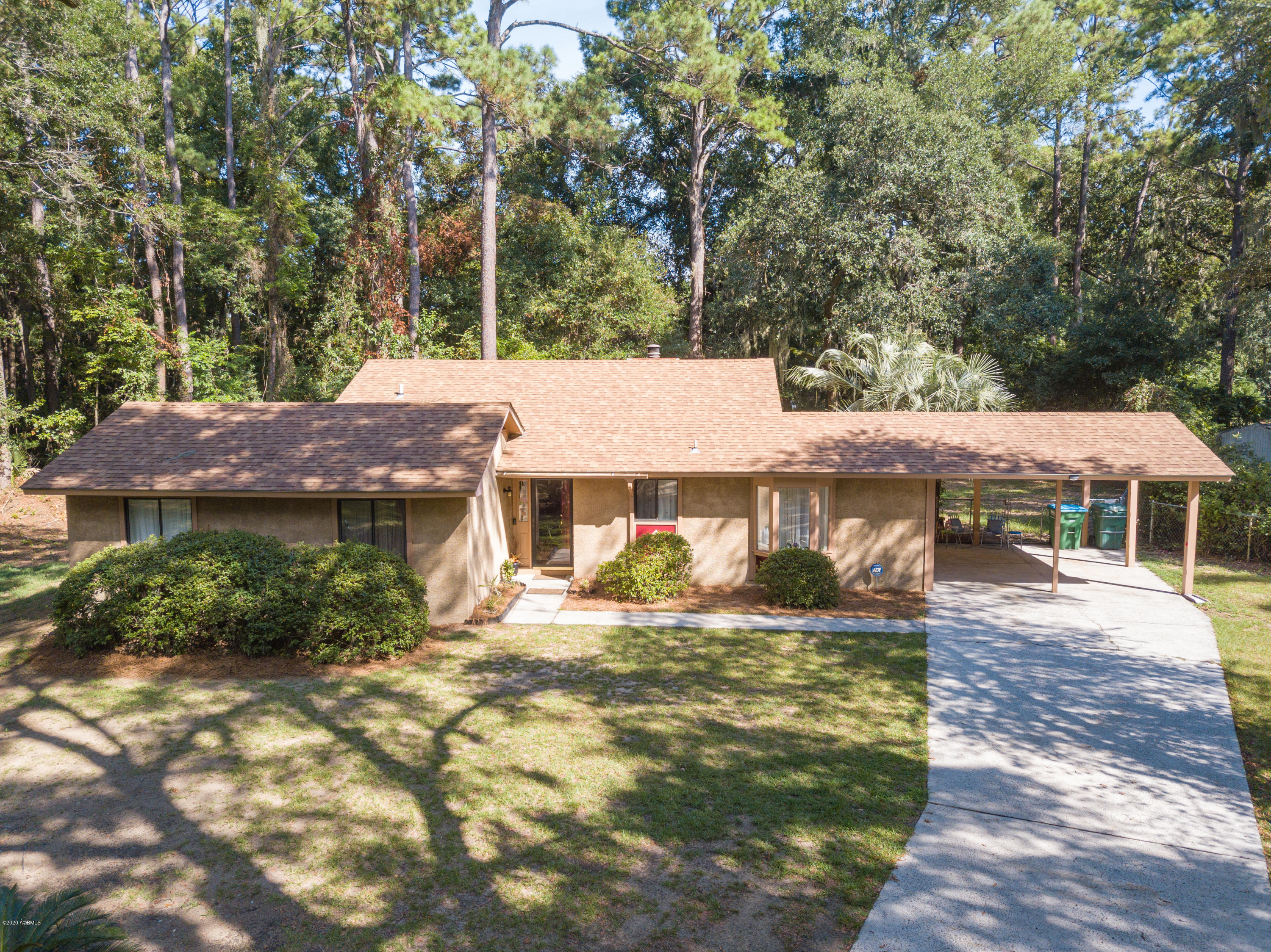 Photo of 19 Prince William Drive, Port Royal, SC 29935