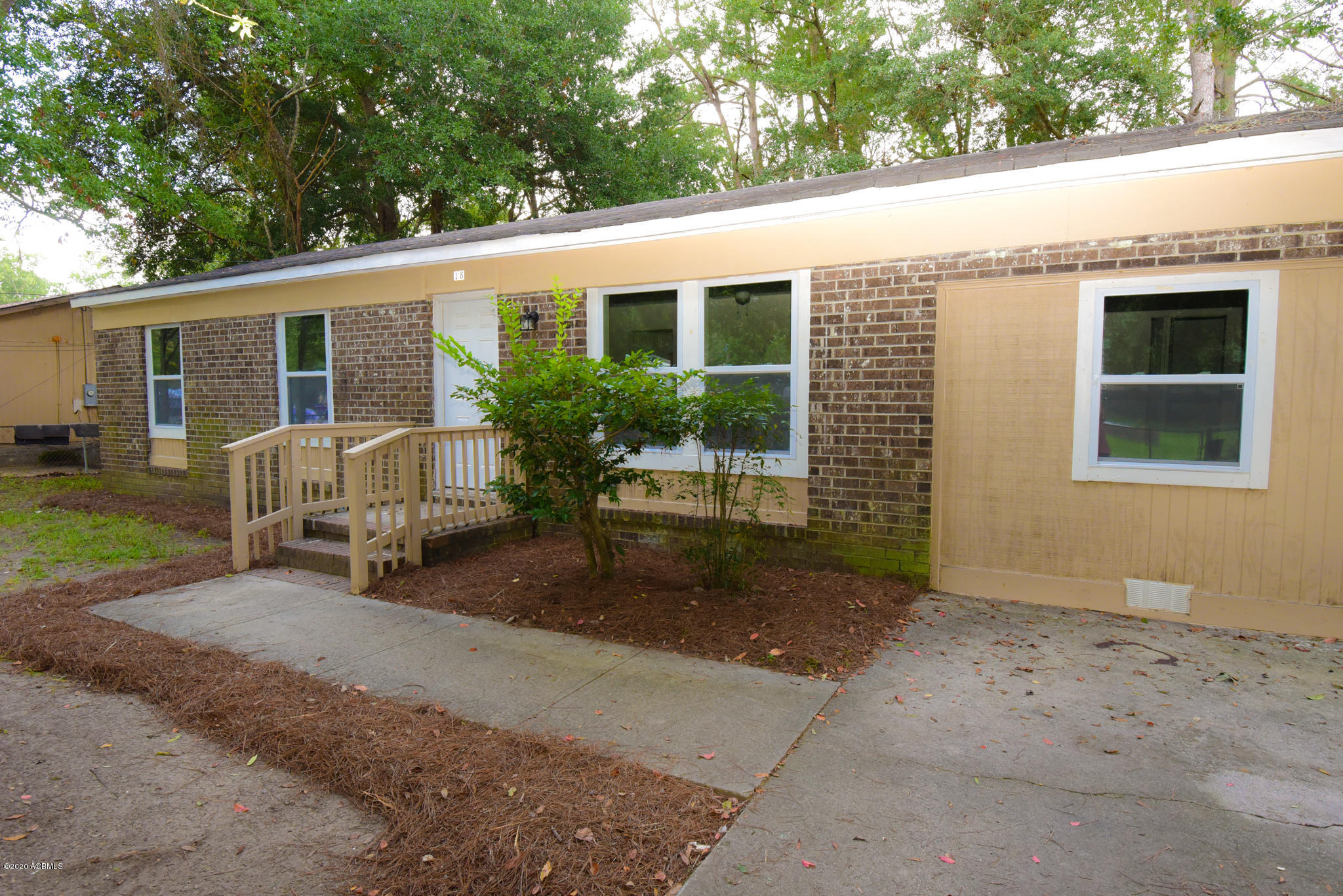 Photo of 18 Kennedy Circle, Beaufort, SC 29906