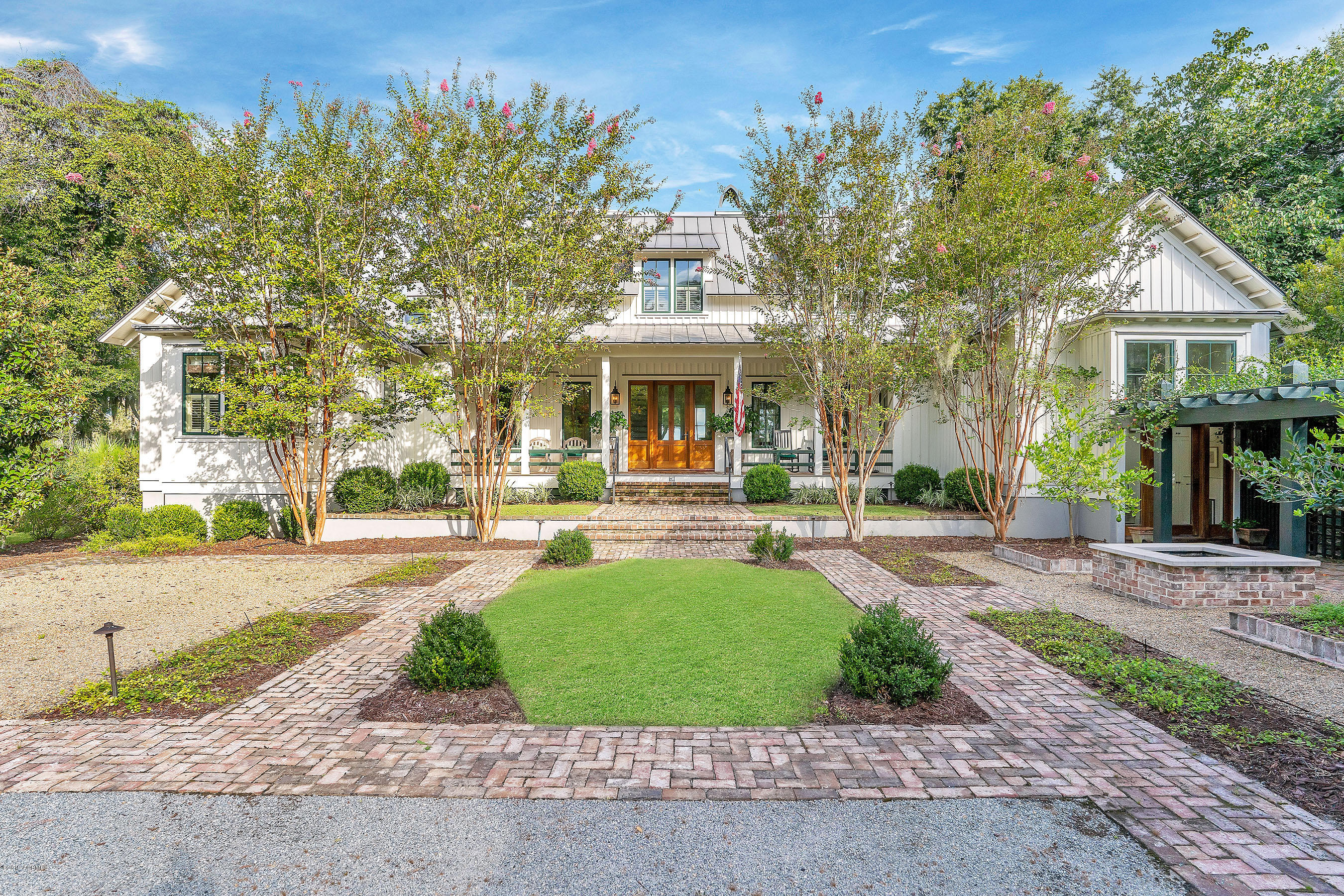 Photo of 530 Distant Island Drive, Beaufort, SC 29907