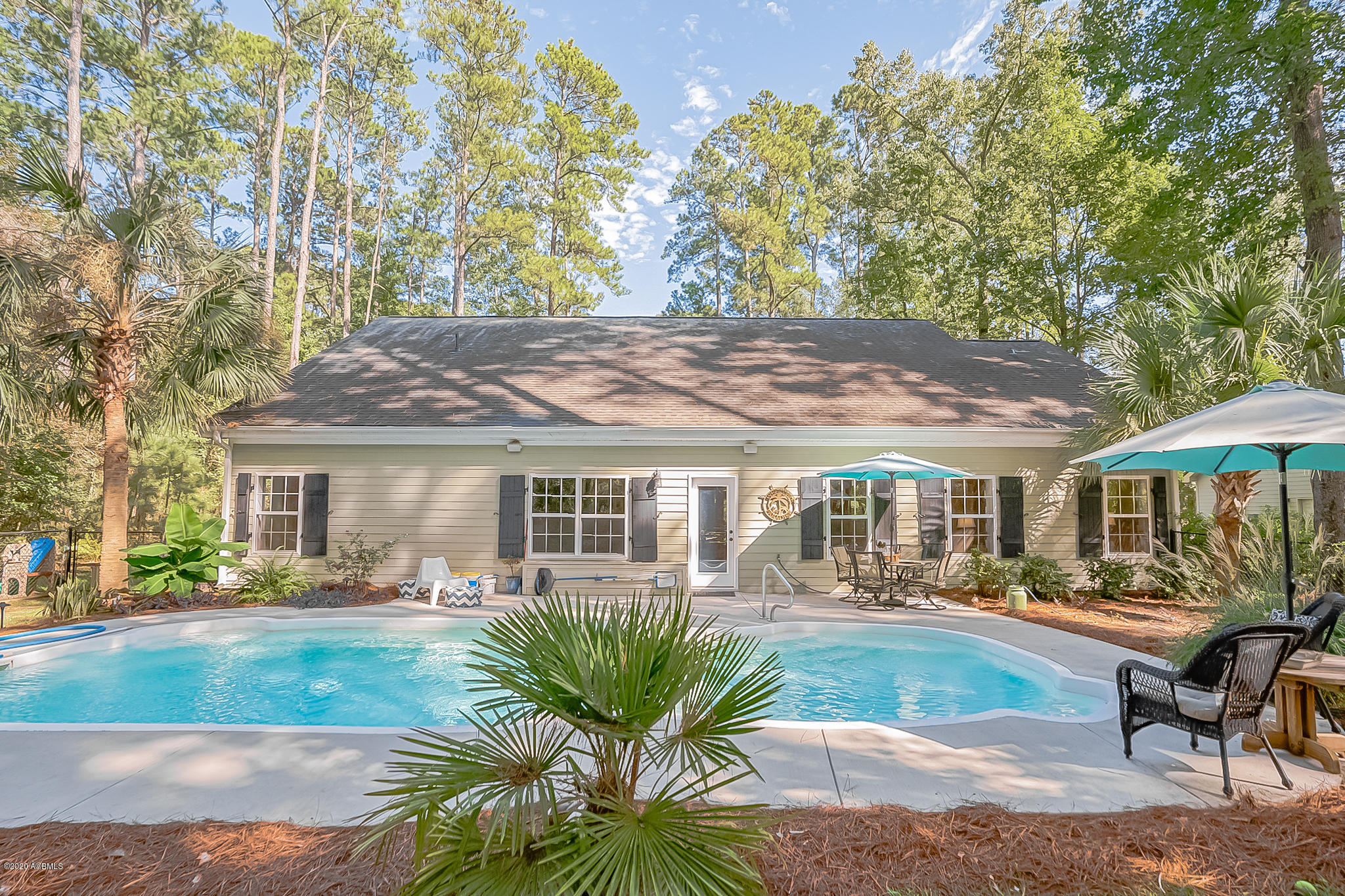 Photo of 569 Sams Point Road, Beaufort, SC 29907