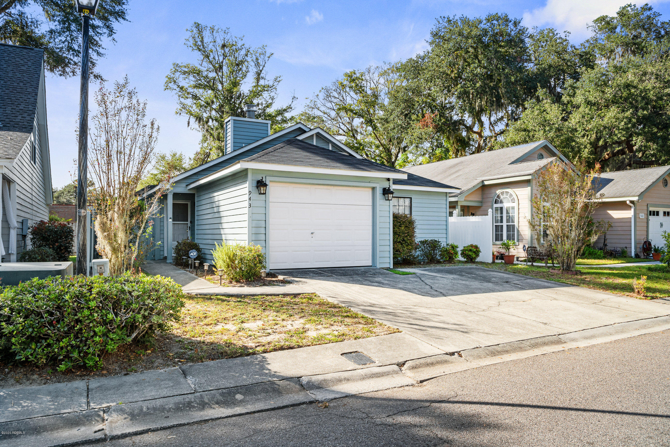 Photo of 943 Oyster Cove Road, Beaufort, SC 29902