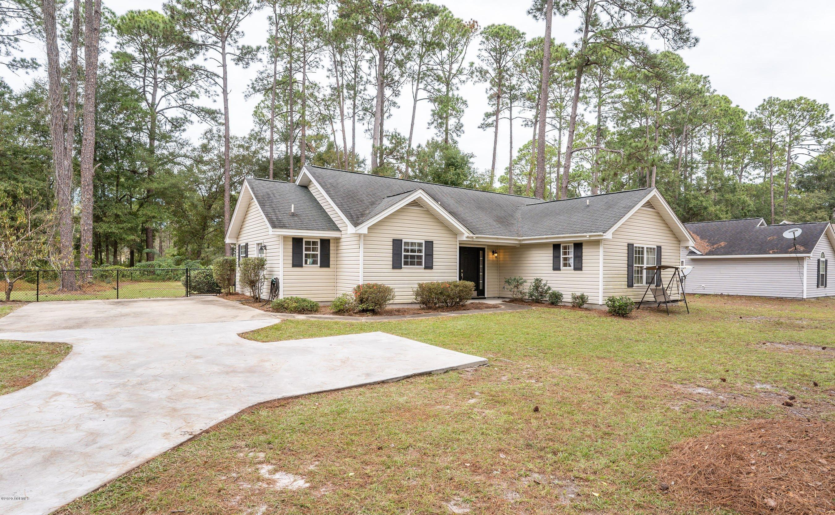 Photo of 501 Sams Point Road, Beaufort, SC 29907