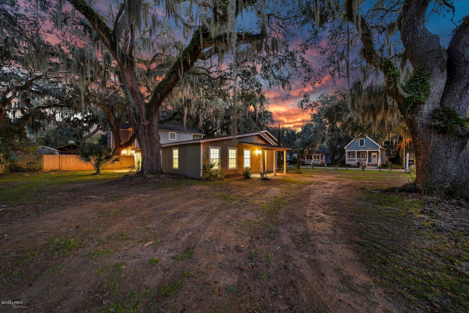 Photo of 1020 14th Street, Port Royal, SC 29935