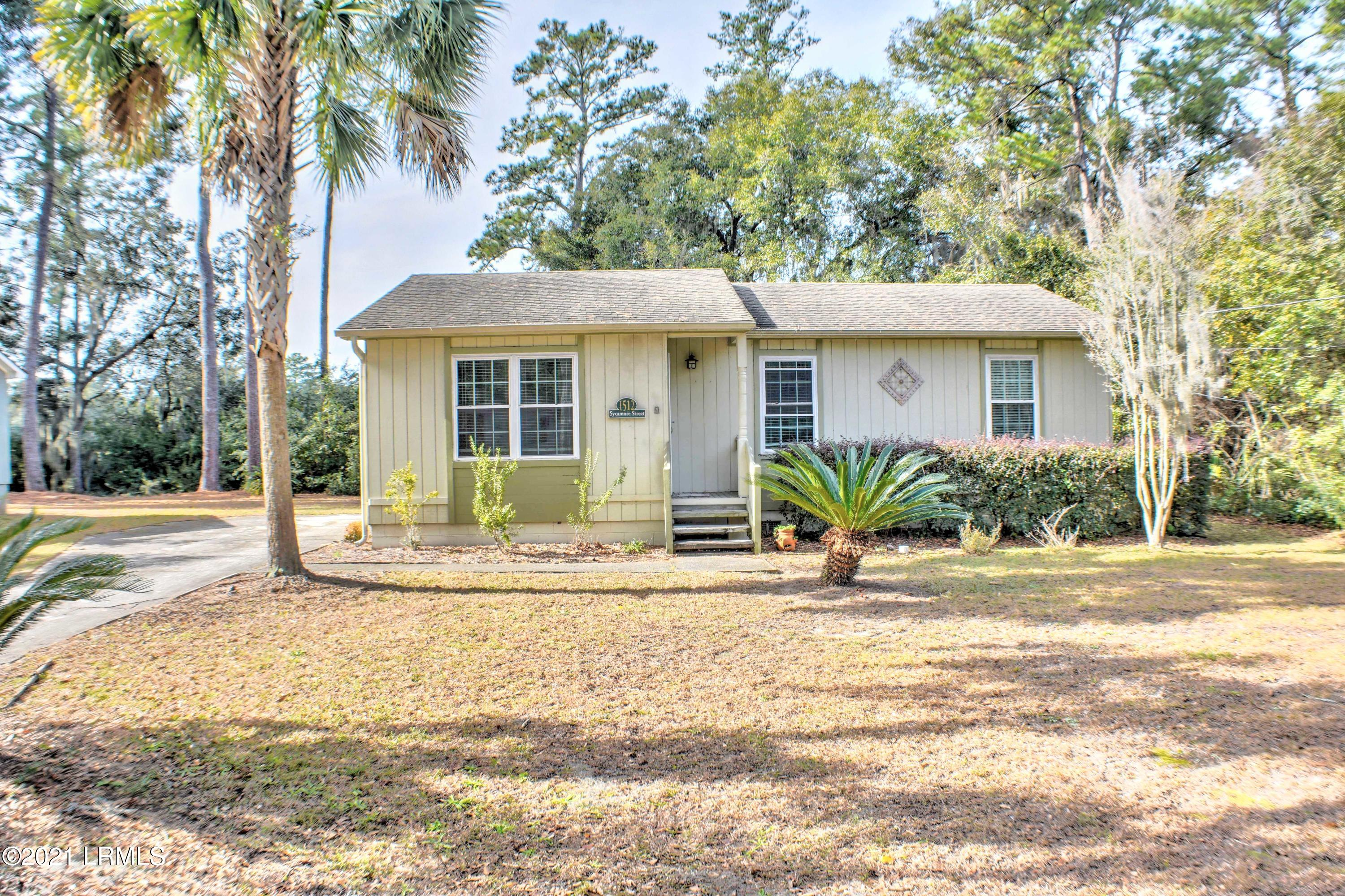 Photo of 1512 Sycamore Street, Beaufort, SC 29902