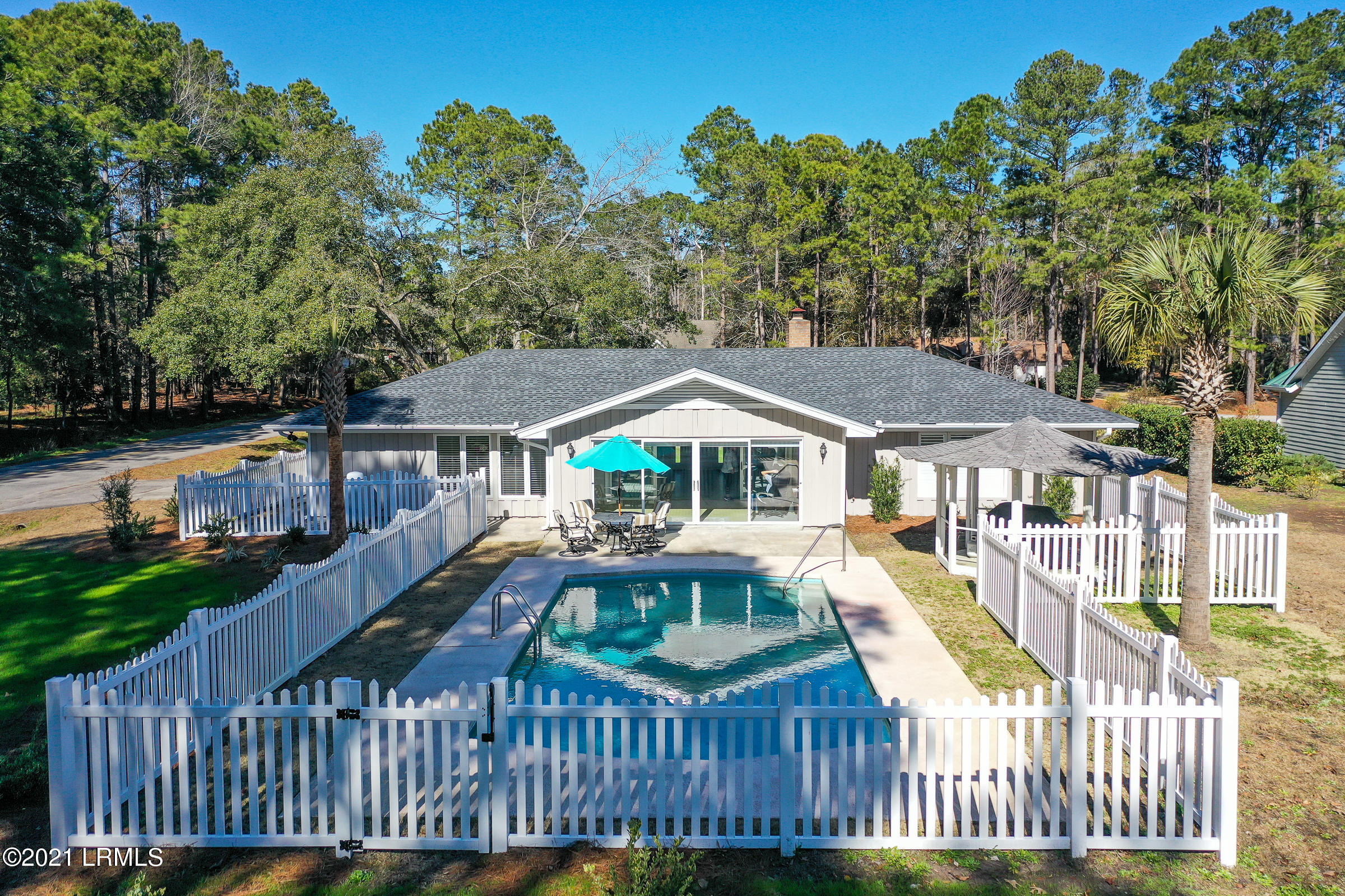 Photo of 140 Francis Marion Circle, Beaufort, SC 29907