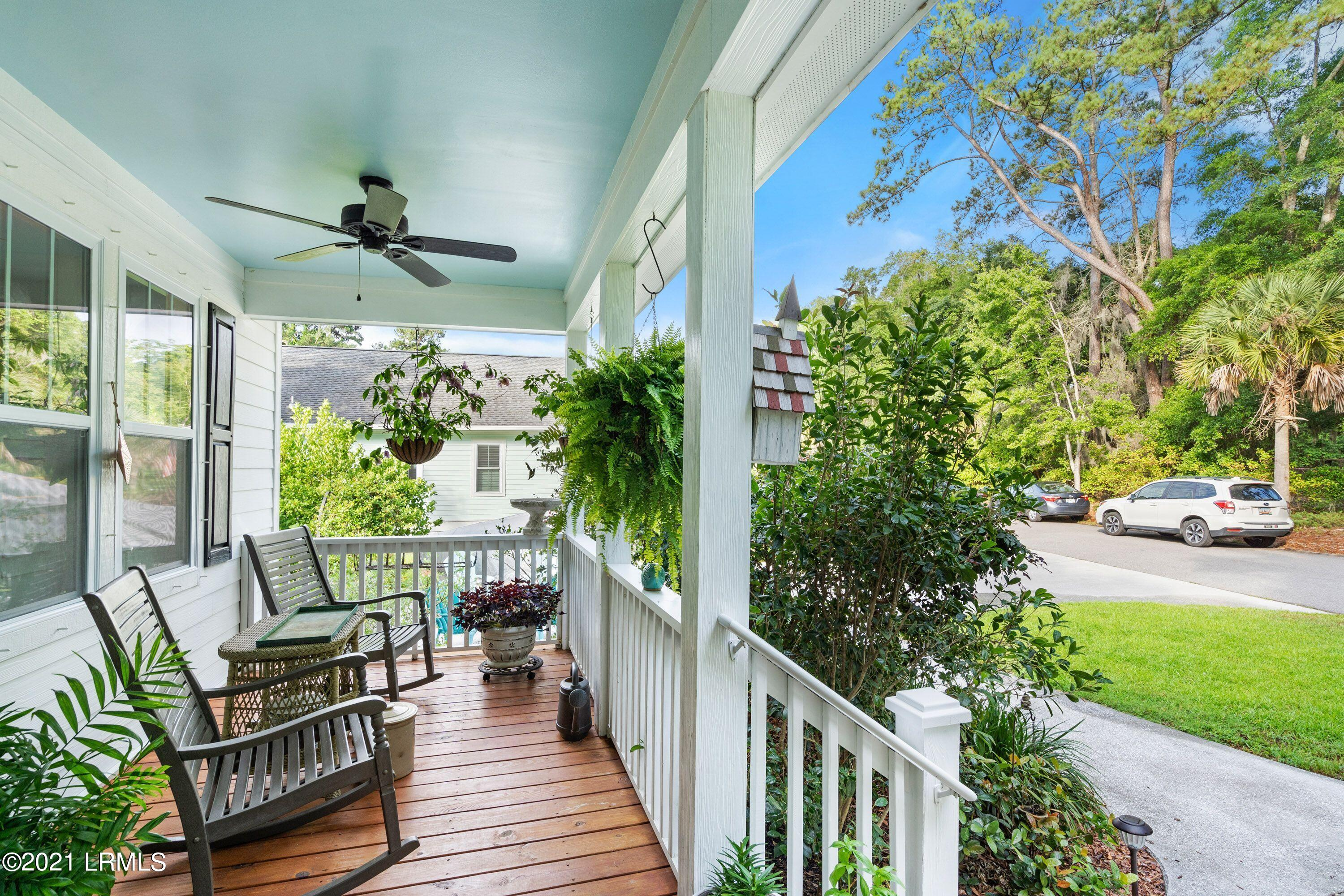 Photo of 18 River Drive, Beaufort, SC 29907