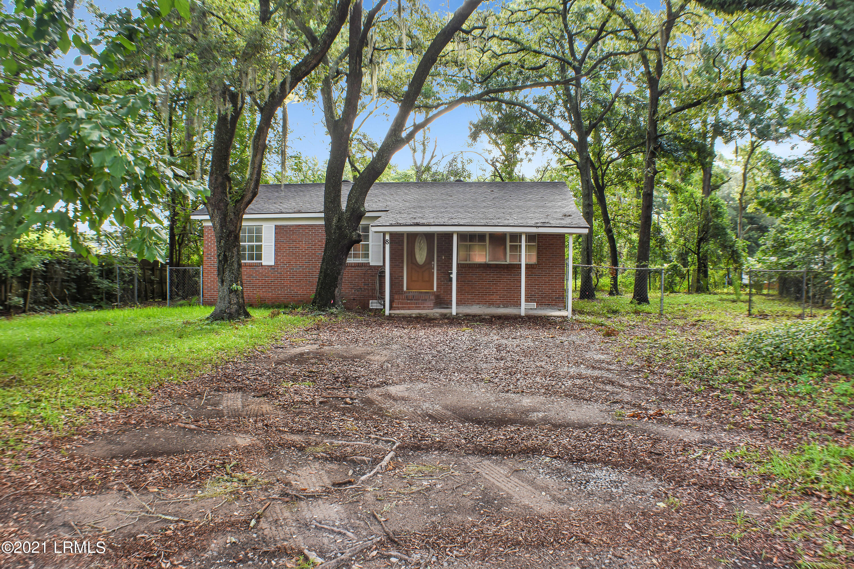 Photo of 8 Red Oak Drive, Beaufort, SC 29907