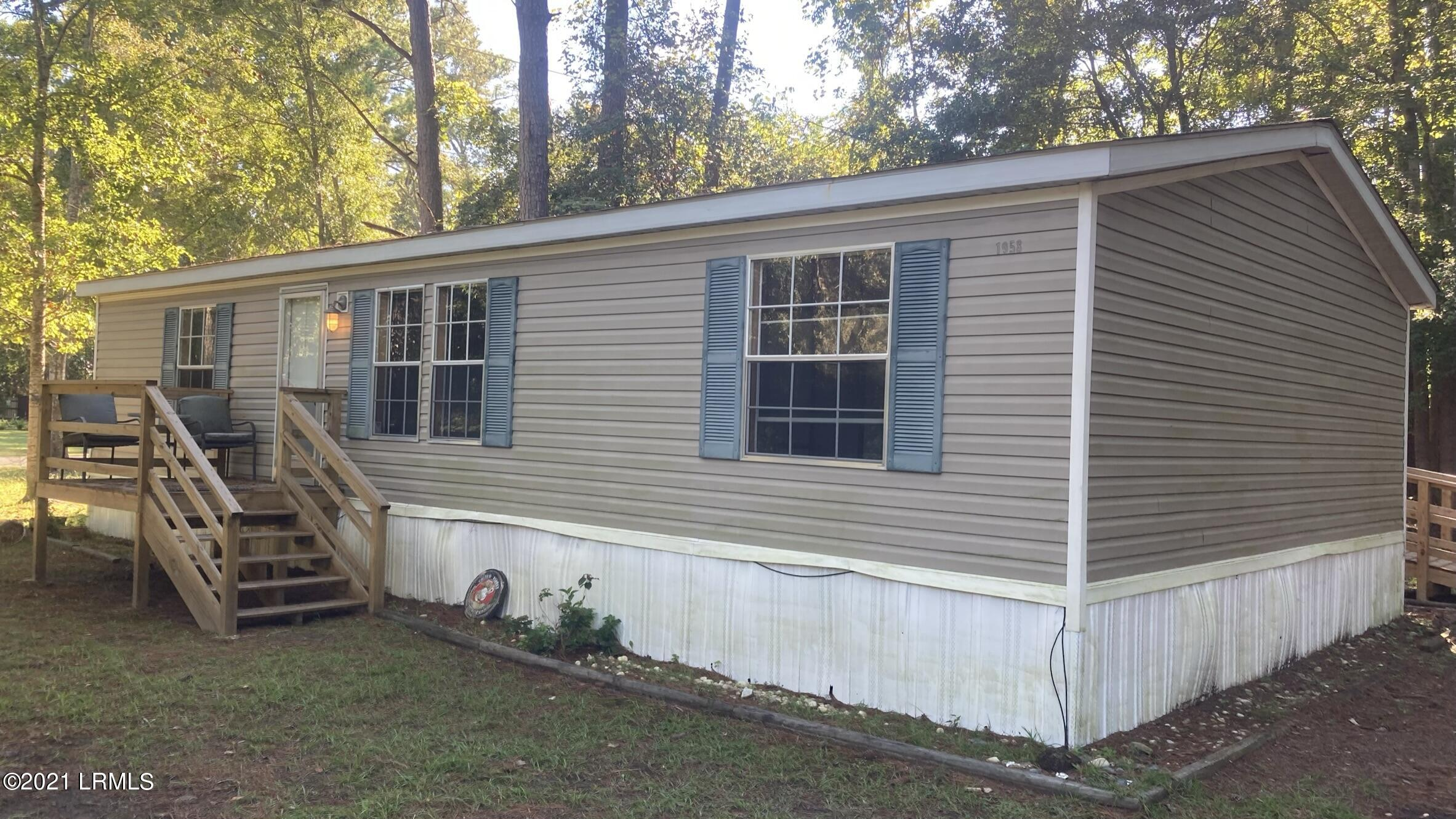 Photo of 1958 Colonial Avenue, Beaufort, SC 29906