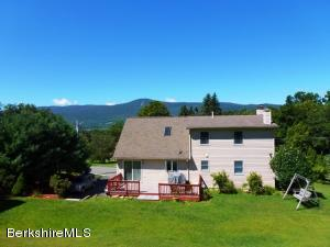 6 Country Rd, Adams, MA 01220