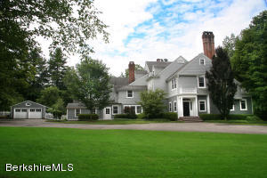 """The Gables"" walk-to-lenox Location in Southern Berkshires!"