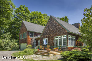 1 Mahkeenac Rd, Stockbridge, MA 01262