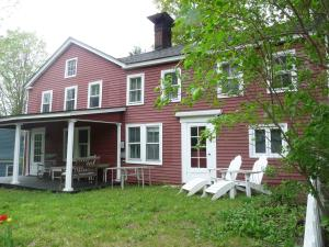 19 Stockbridge Rd, West Stockbridge, MA 01266