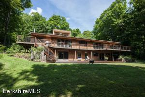 543 North Trail, Tolland, MA 01034