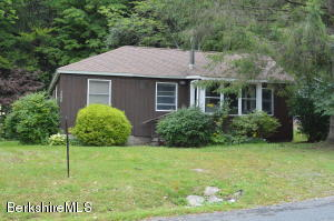 1048 Benton Hill Rd, Becket, MA 01223