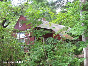 20 Maple View Dr, West Stockbridge, MA 01266