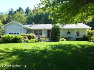 872 Barber Pond Rd, Pownal, VT 05261
