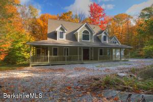 107 Chippewa Dr, Becket, MA 01223