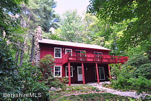 25 Upper Otter Rd, Tolland, MA 01034