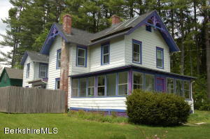 6 Cherry St, Stockbridge, MA 01262