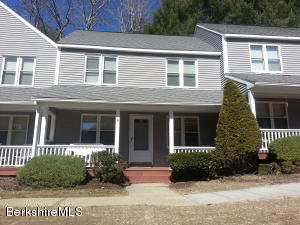 880 East St, 13B, Lee, MA 01238
