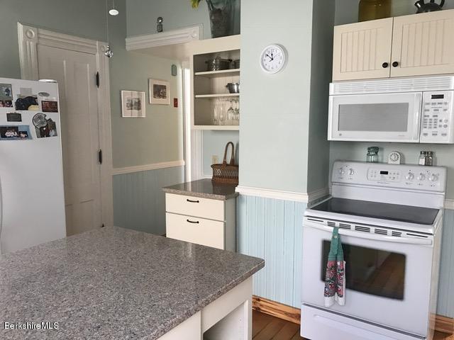 shaker stye cabinets