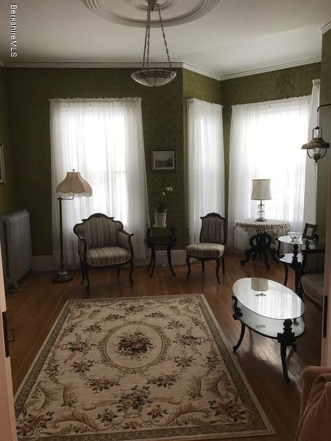 formal sitting room