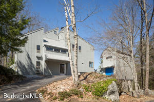 18 Glendale Rd, West Stockbridge, MA 01266