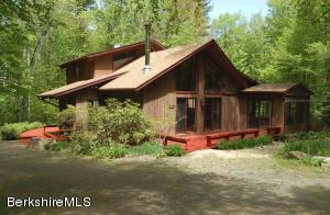 111 Blackfoot Way, Becket, MA 01223