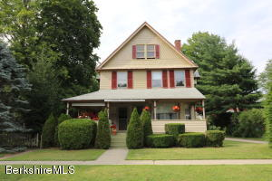 35 Cottage St, Great Barrington, MA 01230