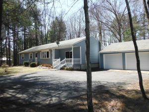 15 Squire Ln, Sheffield, MA 01257