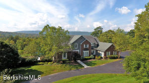 8 Stone Hill Rd, Stockbridge, MA 01262