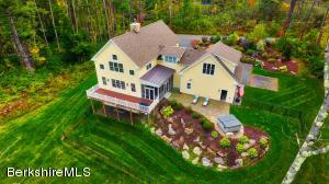 1-A Bean Hill, Stockbridge, MA 01262