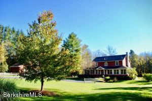 1 Old Tree Farm Rd, Stockbridge, MA 01262