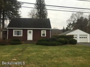 12 Fairview Ter, Great Barrington, MA 01230